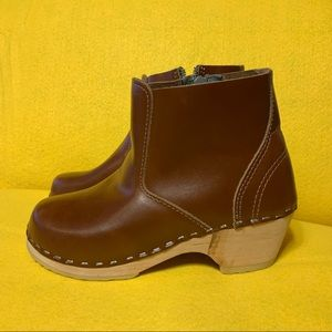Hanna Andersson Clog Boots